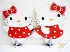 Gantungan Kayu Hello Kitty Polkadot Red