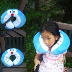 Bantal Leher Doraemon