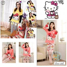 Setelan Panjang Hello Kitty Stay Real