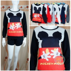 Sweater Mickey Mouse Head And Hug