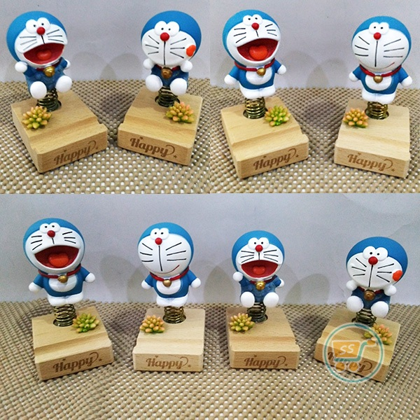 Pajangan Doraemon Happy Jump