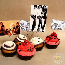 Photo Holder Chocolate Vanilla Cupcake